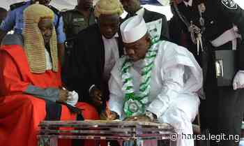 Gwamnoni 7, manyan sarakuna, da jiga-jigan da suka halarci bikin rantsar da Yahaya Bello - Latest News in Nigeria & Breaking Naija News 24/7 | LEGIT.NG
