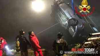 Incidente a Binasco, finiscono nel Naviglio Pavese con l'auto: paura per due ragazze - MilanoToday