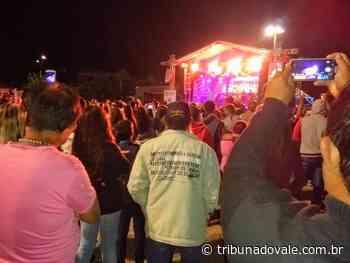 Multidão acompanha festejos de 84 anos de Wenceslau Braz - Tribuna do Vale