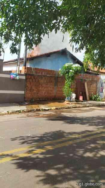 Duas residências são atingidas por incêndios em Anhumas e em Teodoro Sampaio - G1