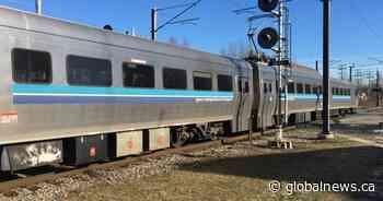 Deux-Montagnes train user appeals to premier to delay REM construction - Global News