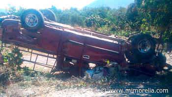 Accidente deja dos muertos y 25 heridos en Buenavista, Michoacán - MiMorelia.com