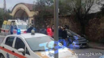 Ultim'ora Isola del Liri – Auto si ribalta in via Borgonuovo - TG24.info