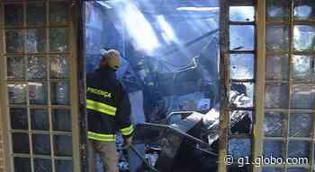 Restaurante fica destruído após pegar fogo em Ilha Solteira - G1