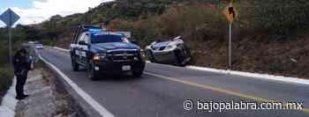 Choque entre camioneta y urvan deja tres heridos en Tixtla - Bajo Palabra