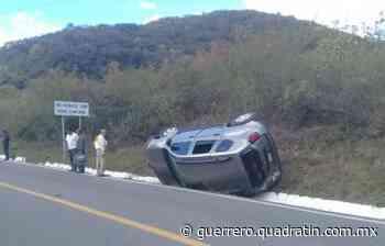 Accidente vehicular en la Tixtla-Chilapa deja 3 lesionados 15:39 26 Dic 2019 Son trasladados - Quadratin Guerrero