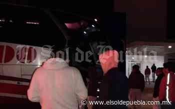Sujetos apedrean autobús con personal de AUDI en Acajete - El Sol de Puebla