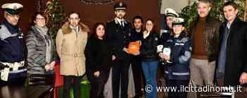 Sovico e Macherio, un defibrillatore per la polizia locale dall'associazione commercianti e servizi - Il Cittadino di Monza e Brianza