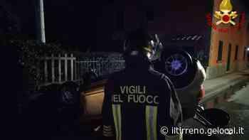 Pieve a Nievole, sbanda e si cappotta: poi si salva dall'auto in fiamme - Il Tirreno