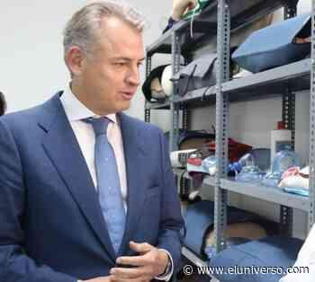 Agustín Albán, de la Senescyt, estuvo en Fiscalía para dar seguimiento a denuncia sobre títulos médicos irregulares - El Universo
