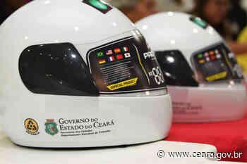 Detran-CE entrega 599 capacetes do Programa CNH Popular em Quixeramobim - Ceará