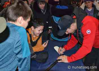 Kuujjuaq youth snag autographs from a hockey hero - Nunatsiaq News