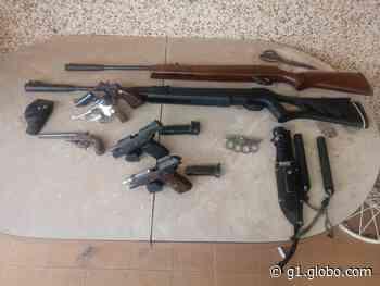 Armas de fogo são apreendidas em residência em Rancharia durante mutirão de limpeza - G1