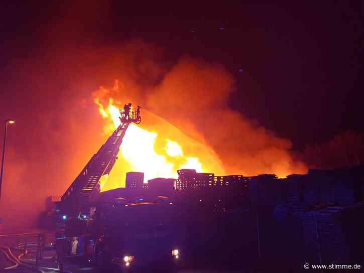 Millionenschaden bei Brand eines Palettenlagers in Ilsfeld - Heilbronner Stimme