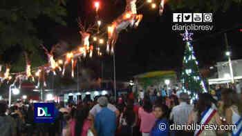 Con mucho colorido, ACODJAR de RL ilumina el parque central de Sensuntepeque - Diario Libre