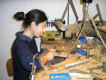 Emmanuelle Gadenne est une jeune femme talentueuse, avec l'esprit d'initiative; Visite de sa bijouterie - RCF