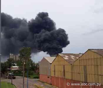 Se incendia parte de la planta de la INC en Villeta - Nacionales - ABC Color