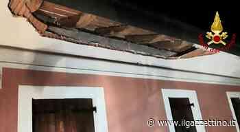 Cinto Caomaggiore. Crollo in un'abitazione: si stacca il cornicione. Due famiglie evacuate Foto - Il Gazzettino