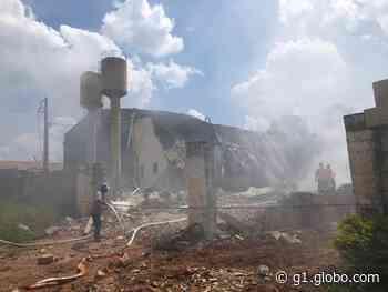 Incêndio em galpão mobiliza 10 caminhões-pipa em Jarinu - G1