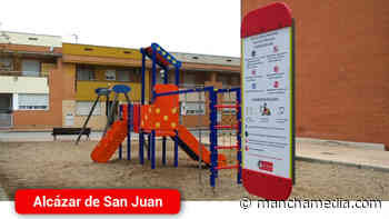 La Plaza de Francia del Barrio de La Pradera de Alcázar de San Juan ya cuenta con un nuevo columpio - Mancha Media
