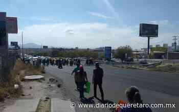Nuevamente vecinos de La Pradera bloquean vialidad - Diario de Querétaro
