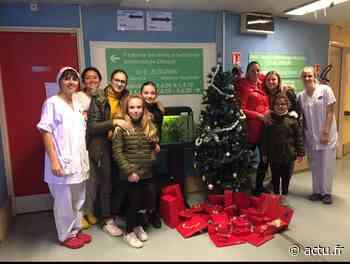 CHU de Montpellier : une famille de Pignan joue le Père Noël pour faire plaisir aux enfants alités - actu.fr