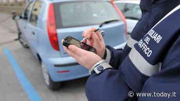 "Prende 57 multe e deve pagare 15mila euro: automobilista ""incastrata"" grazie a Facebook - Today"