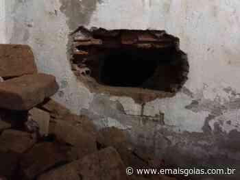 Detento é flagrado cavando buraco em cela, em Ceres - Mais Goiás