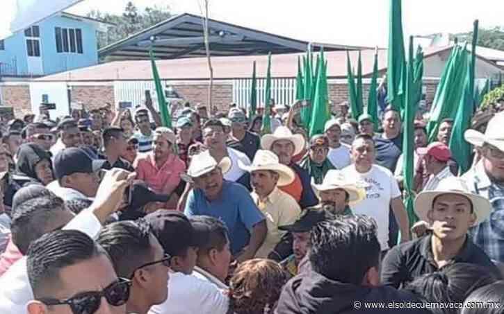 [Video] Con protestas reciben a AMLO en Anenecuilco; seguridad los amenaza - El Sol de Cuernavaca