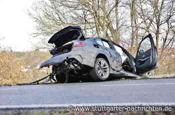Spektakulärer Unfall bei Kirchberg - 21-Jähriger fährt Testwagen zu Schrott - Stuttgarter Nachrichten