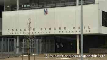 Mandres-les-Roses : les élèves du collège Simone Veil font leur rentrée après un mois de vacances forcée - France 3 Régions