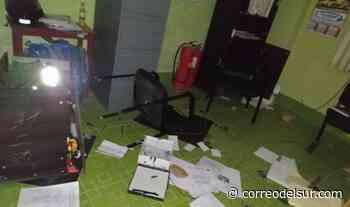 Patacamaya: Violentos causaron destrozos en módulo policial y dejaron herido a un oficial - Correo del Sur
