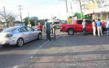 Auto impacta contra camioneta en la Vhsa-Ciudad del Carmen - tabasco hoy