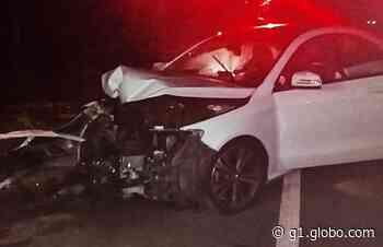 Motorista perde controle e bate em árvore na BR-146, em Muzambinho, MG - G1