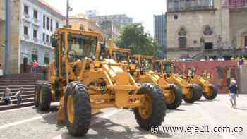 Gobernador entregó combos de maquinaria amarilla en Norcasia y Samaná - Eje21