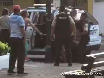 Policía herido tras ataque de ciudadanos en operativo en Calceta | Videos - El Universo