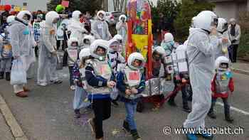 St.Galler Quartierfasnacht: Astronauten und aktuelle Sujets in Bruggen | St.Galler Tagblatt - St.Galler Tagblatt