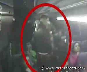 Buscan a sujetos que atracaron a pasajeros de bus intermunicipal en Facatativá - Radio Santa Fe