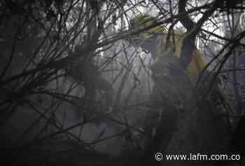 Incendio forestal amenaza a varias viviendas en Tenjo, Cundinamarca - La FM