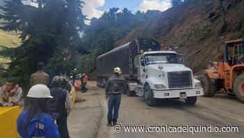 Habilitado paso a un carril en la vía Cajamarca-Calarcá tras derrumbe - La Cronica del Quindio