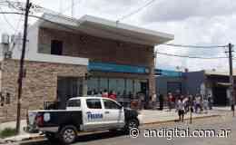 Robo con ametralladoras al Banco Nación de Isidro Casanova: Un empleado muerto - ANDigital