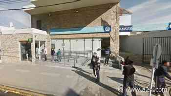 Entran a robar a un Banco Nación de Isidro Casanova y en la fuga matan a un cajero - A24.com