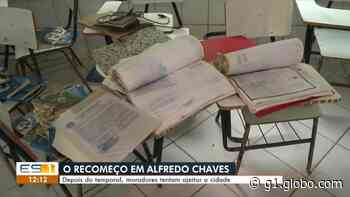 Cinco dias após enchente, moradores se unem para limpar Alfredo Chaves, ES - G1