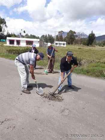 Transportadores adecúan vía en Cumbal - Diario del Sur