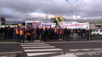 Les 136 salariés de Luxfer à Gerzat (Puy-de-Dôme) restent soudés pour soutenir leurs collègues convoqués au commissariat - La Montagne