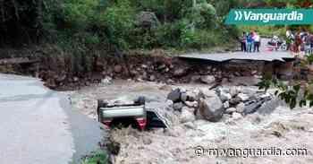 Tras fuertes lluvias el río Suratá destruyó la vía entre Bucaramanga y Matanza - Vanguardia Liberal