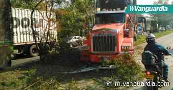 Congestión vehicular por accidente de tractomula en la vía entre Floridablanca y Girón - Vanguardia