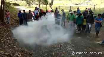Así actúan los bomberos en El Carmen de Atrato para atender los incendios - Caracol Radio