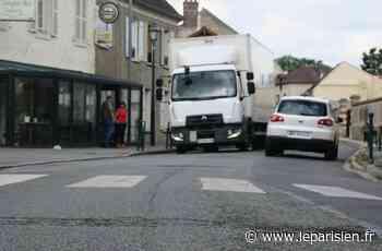 Ils réclament l'interdiction des poids lourds à Plailly - Le Parisien