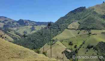 Los bomberos de Marulanda, Caldas, protegen los recursos naturales - Caracol Radio